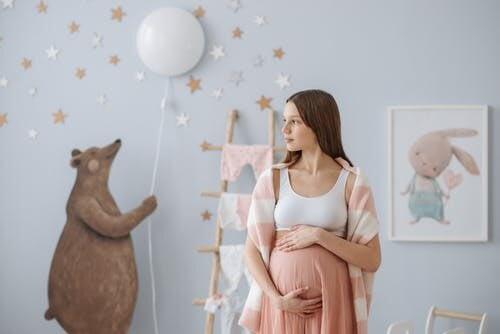 easy pregnancy fashion