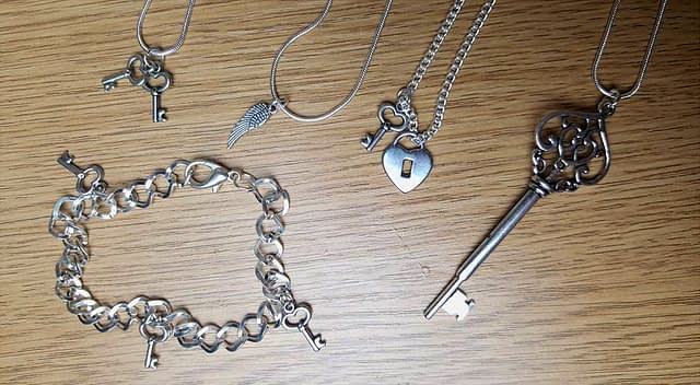 birthday blog giveaway jewellery